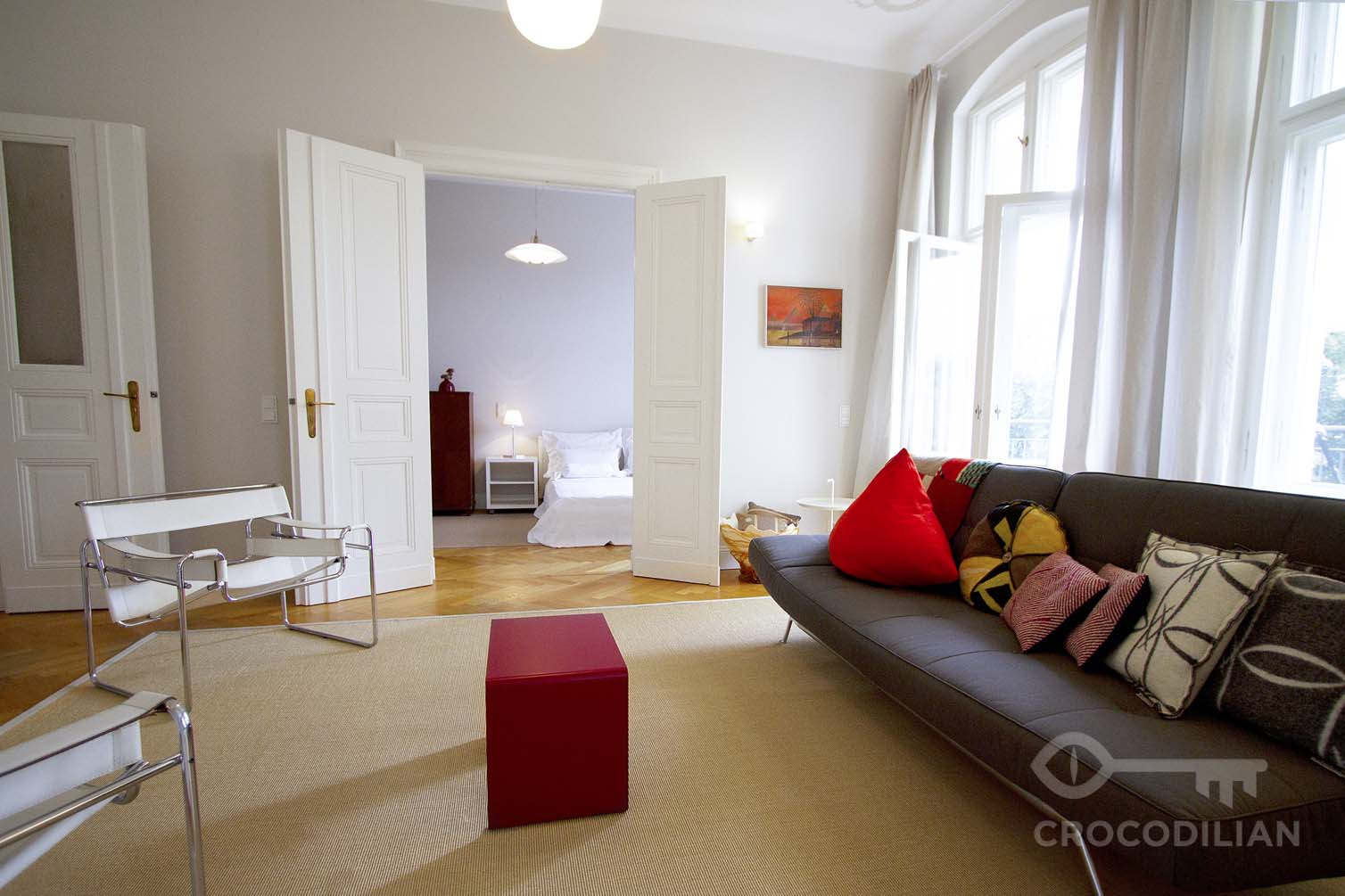 Elegant 3,5-Room-Apartment with 2 Bedrooms and Balcony in Mommsenstr.