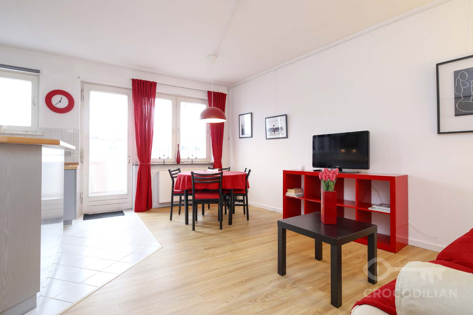 2-Room Apartment with Balcony and Parking, Leibnizstr.