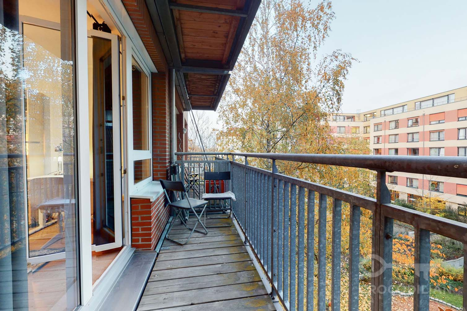 Quiet 1-Room Studio Apartment with Balcony Erich- Weinert - Str.
