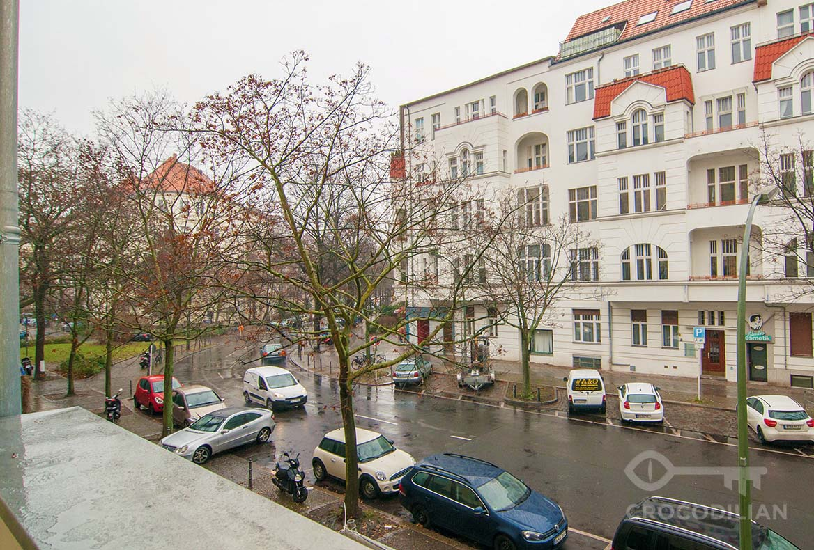 Beautiful 1-Room Apartment with Balcony, close to Kudamm