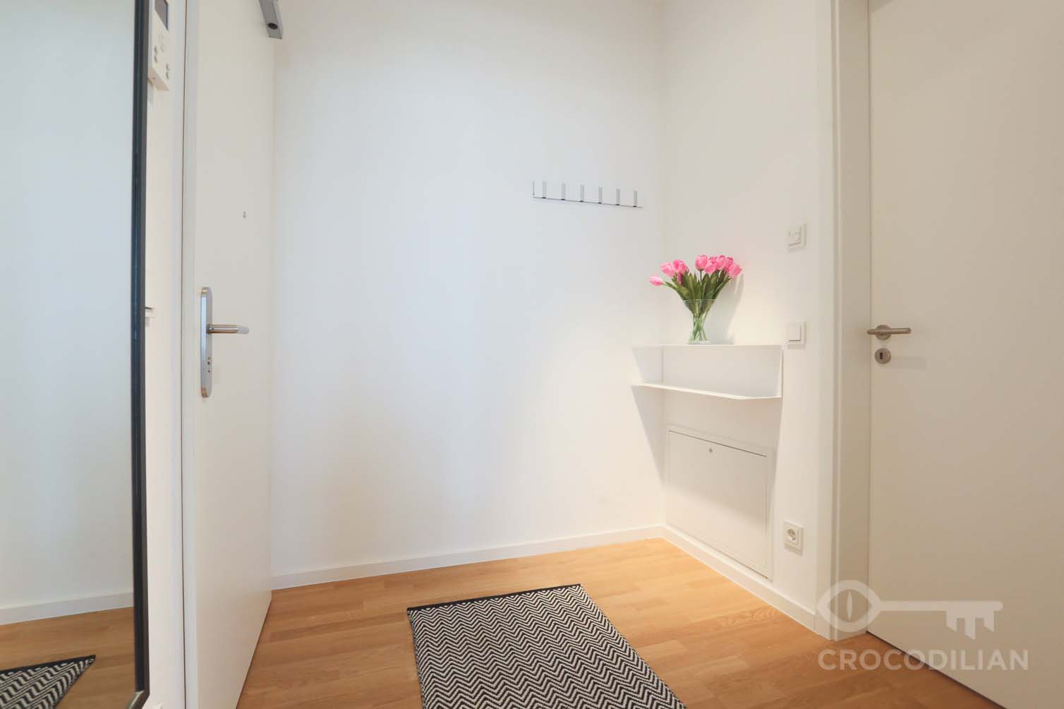 Living in Mitte with Style: 2-Room Design Apartment in Chausseestr.