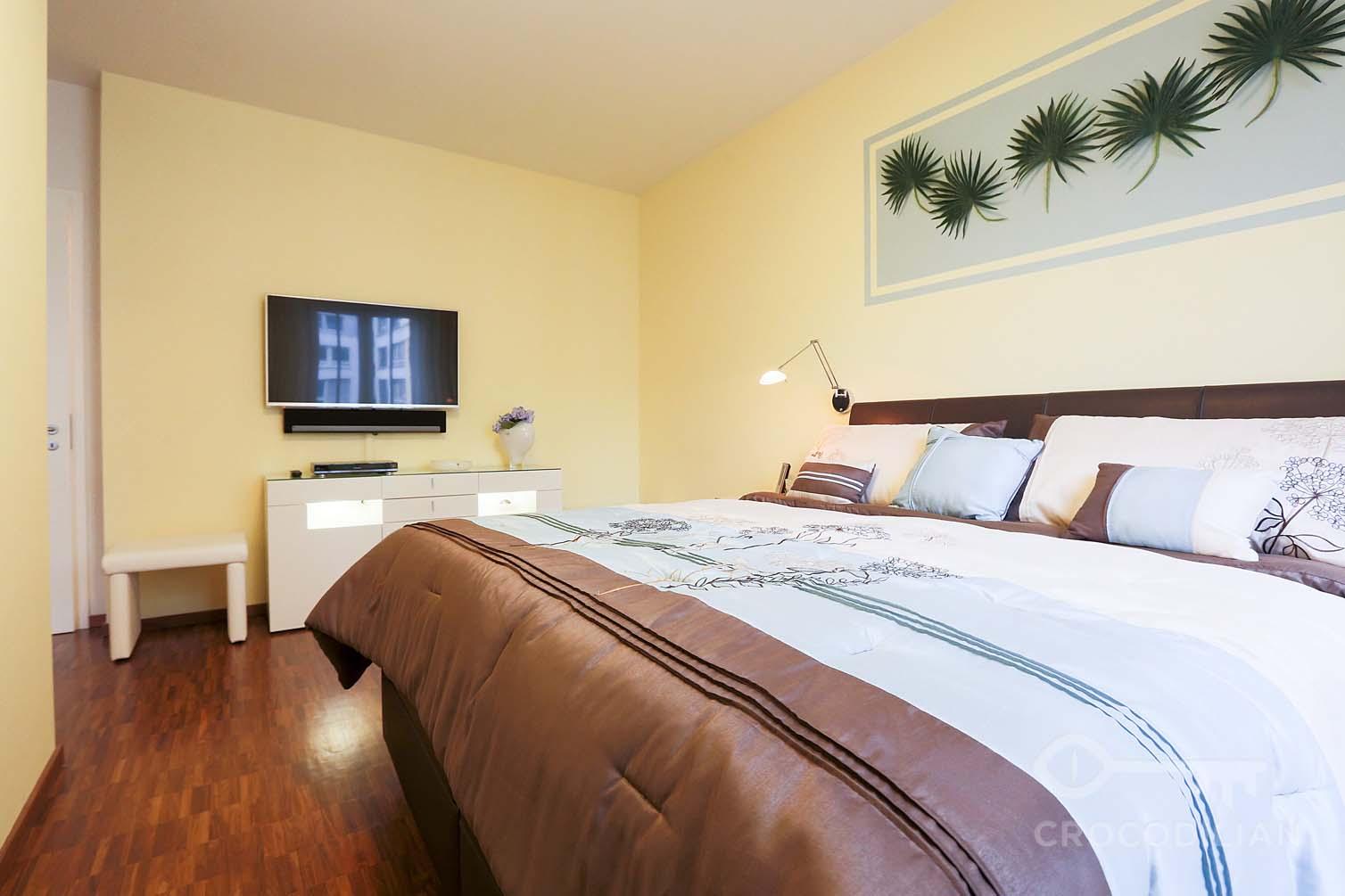 Luxury 2-Room Apartment with Balcony, Underground Parking ...