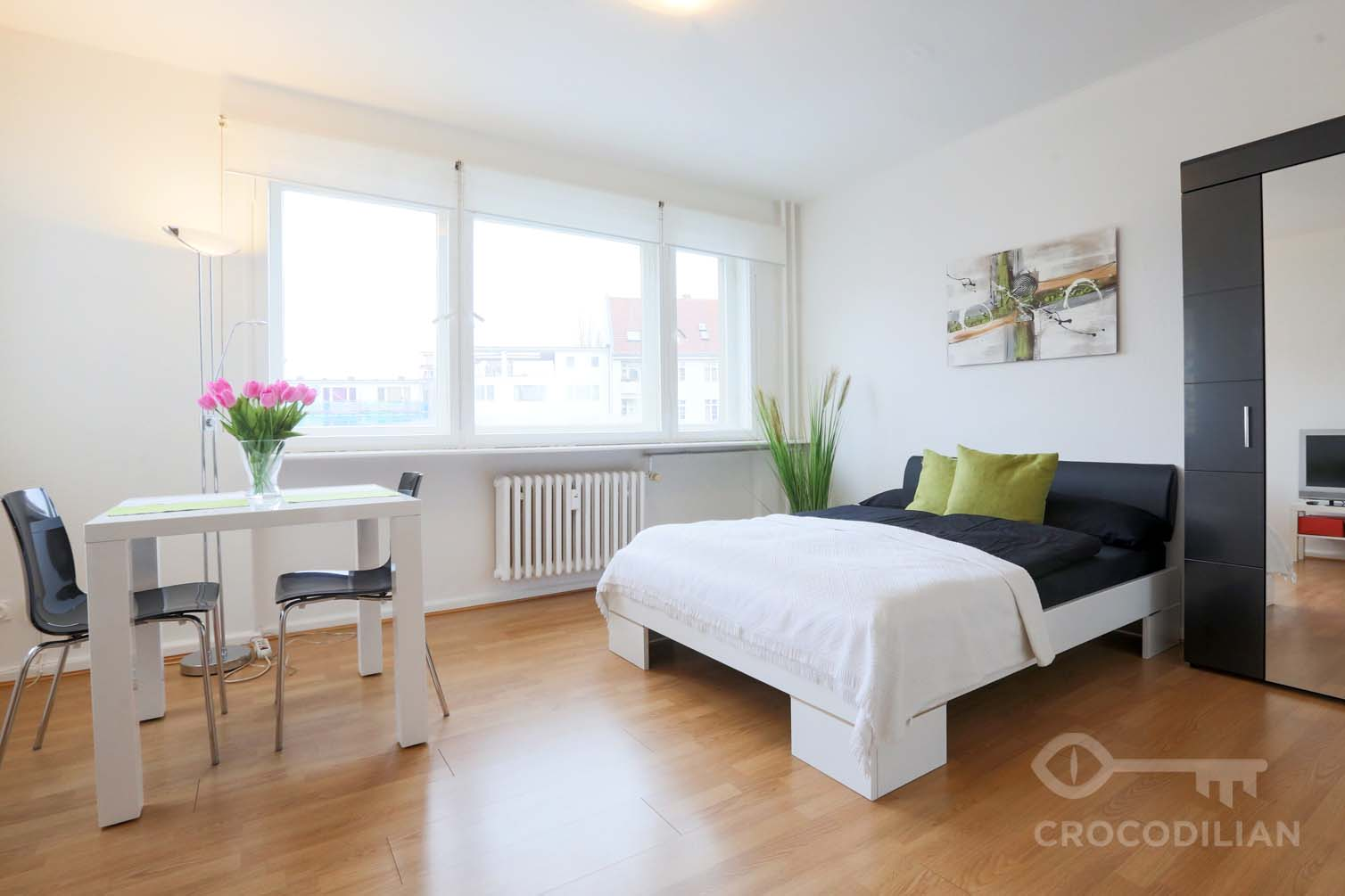 Practical 1-Room Flat, Parking on Request, Nestorstr.