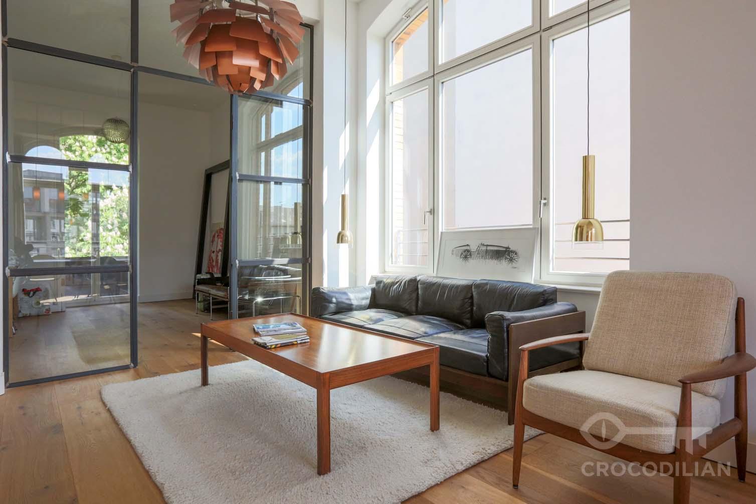 Stylishes Studio mit eigenem Bad, Küche, Wohn- Esszimmer geteilt ...