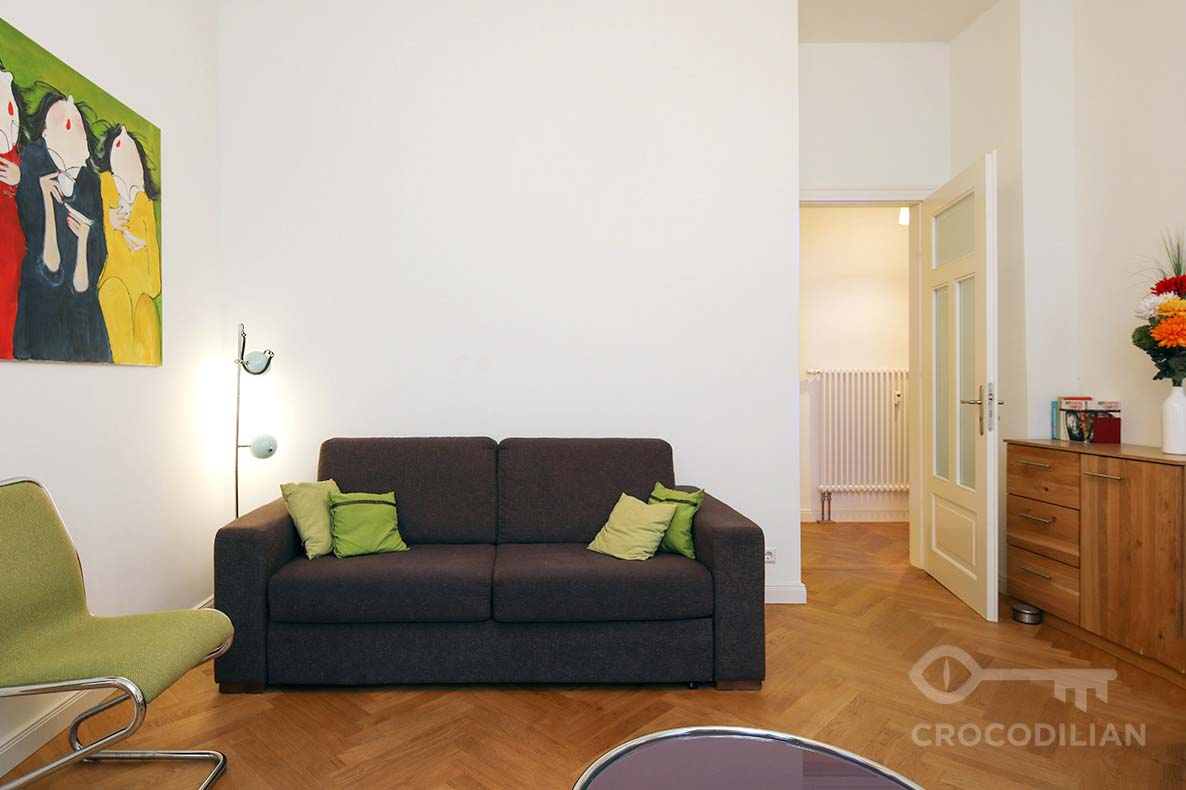Modern 2-Room Apartment, Choriner Str.