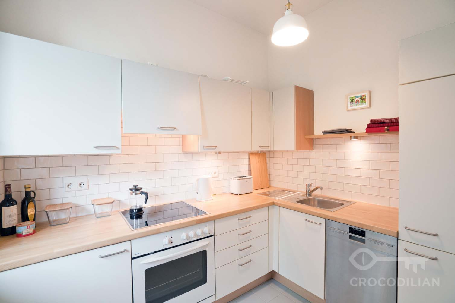 Central Living: 2-Room Apartment in Top Location with Balcony, near Arkonaplatz.
