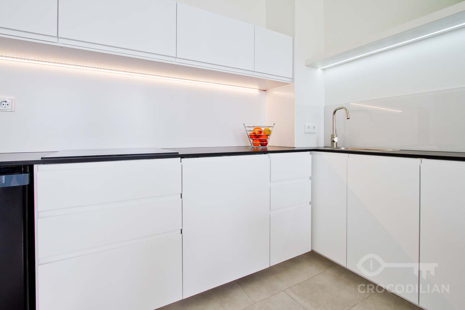 Very central and modern 2-Room Flat with Roof Terrace in Kommandantenstr.